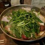 池袋ベトナム料理 アジアンタオ - パクチー鍋出来上がり♪