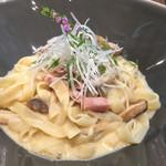 62504366 - 和風パスタ(カルボナーラ風)…ベーコン、鶏肉、きのこがたっぷり入ってます♪