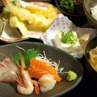 道の駅 小谷 - 料理写真:当店一押し 日替わりかまど定食