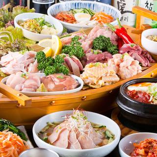 名物「大山鶏の船盛り10種」付きのご宴会コース