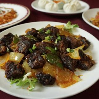 ネパールならではの珍しい料理が沢山味わえます!