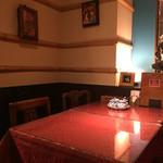 スクンビット・ソイ・トンロー - テーブルは清潔感がありますね。