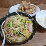 トナリ - 味噌タンカラ 990円+ライス(小)60円