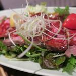 虹晴れ - ローストビーフのサラダ
