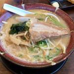 満天家 - 料理写真:厚切り豚トロチャーシュー味噌らーめん1058円