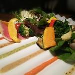 62521204 - 30種類のお野菜と8種のドレッシング庭園サラダ