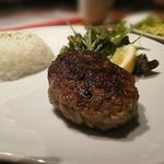 62521206 - 土日限定京都牛100%ハンバーグとデミグラスソース                       白米