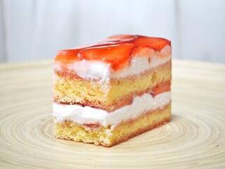 パティスリー イル・プルー・シュル・ラ・セーヌ - '17.02いちごのショートケーキ