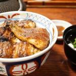 辻屋 - 並丼(2610円)