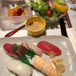 62533458 - お寿司、サラダ、デザート