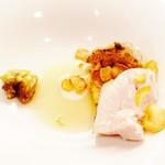 62535559 - さわやか富士の鶏 焼慈姑餅と低温熟成栗 焼林檎ソース!!(゚д゚)ウマー
