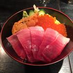 62540561 - 贅沢三色丼