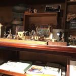 カフェ百時 - 楽しい工芸品もいっぱい
