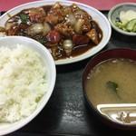 62543337 - 酢豚定食800円