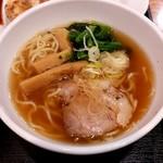 東秀 - ミニ醤油ラーメン