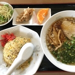 味平 - ラーメン定食  1000円(2017.2.12)