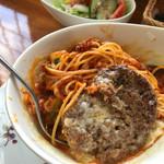 カフェ・マレット - チーズとミートソースパスパゲッティを熱いうちに、まぢぇまぢぇ〜します♪