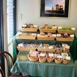 クローヌ洋菓子店 - 入ってすぐ左側の焼き菓子