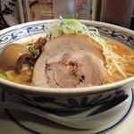 ラーメン一鶴 - 2017年1月15日(日) 味噌ラーメン(690円)+煮たまご(90円)