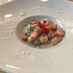 スタジオーネ フルッティフィカーレ - ホタテとブロッコリーと苺のクリームソース