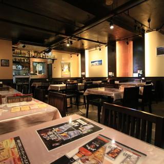 広々と落ち着いた空間で美味しいお酒とお料理をお楽しみ下さい♪