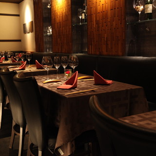 接待・会食に落ち着いた空間でゆったりと。席だけ予約可能