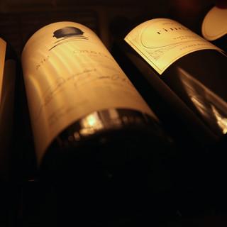 鉄板焼きとワインを楽しめるように取り揃えてます。