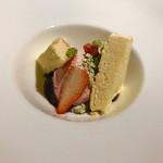 イタリア料理 リストランテ フィッシュボーン - ディセールはセミフレッドとフランボワーズ