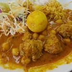 ザイカ・カレーハウス - 肉団子と卵のカレー