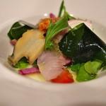 星野リゾート 界 熱海 - 夕食の一品。鮑、石鯛、太刀魚、タコ、からすみのサラダ仕立て。魚介の旨さ満載。
