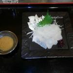 和食 ひと塩 - カワハギのお刺身を肝じょうゆで。すぐに売り切れてしまいました。