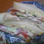 深町製パン - ミックスサンド(260円)結構なボリューム