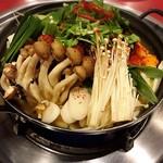 本場ソウルの味 味家 - チゲ鍋  食べてるうちに体がぽっかぽかに✩⃛ೄ