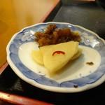 寒山 - 牛肉100%ビックメンチカツ丼 漬物