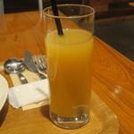 有楽町カフェ&ダイニング バイ ロイヤル - グレープフルーツジュース