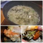 壱岐寿司 - ◆「かじめ汁(400円:税別)」・・壱岐で採れる海藻だそうですが、粘りがありますね。 お味噌のお味も好み。 ◆ちらしのご飯には「海苔」「でんぶ」がかけられています。