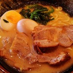 横浜家系ラーメン 稲田家 - 料理写真:得盛りラーメン