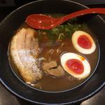 ラーメン純風殿 - 魚介ラーメン850円+煮玉子100円 ※値段の割に貧相過ぎ!