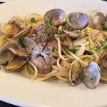 トラットリア ピッツェリア アミーチ - アサリのスパゲッティ