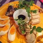 OUTDOOR STYLE KITCHEN 松の木食堂 - 燻製盛り合わせ    別アングル