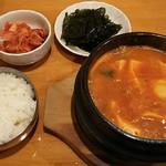 イテウォン - 海鮮純豆腐チゲ950円