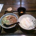62624157 - 肉うどん(肉吸いうどん)セット