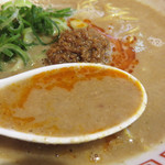 博多拉担麺まるたん 天神店 - 担々麺と博多ラーメンをコラボさせて完成させたという博多拉担麺。