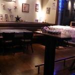 トラットリア チェントパスタ - テーブル席の様子