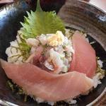 市場の食堂 金目亭 - 鯵のタタキ丼