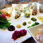 カウンターお野菜天ぷら mego - ランチ手織り寿司(並)