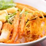 ココナッツミルクがくせになる!『カレーラクサヌードルとチキンライスのセット 中華麺orビーフン 』