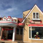 シャルマン - 屋根にはデコレーションケーキ、窓には大っきなMickeyが〜♫