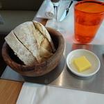 62631553 - モチモチのパンと多分?発酵バター