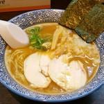 麺匠 なべすけ - 料理写真:濃厚鶏醤油らーめん750円